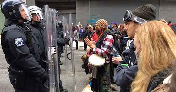 Inauguration Day 2017 protesters in DC face DC Police carrying shields
